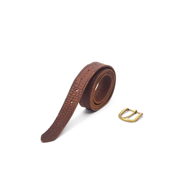 cinturon de cuero texturado marrón oscuro