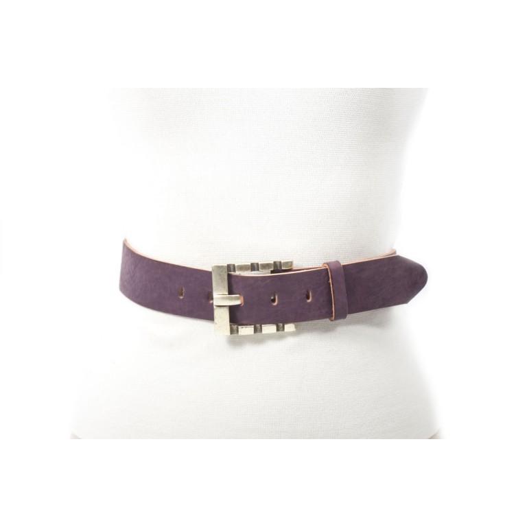 cinturon violeta textura afelpado piel cuero curtimiento vegetal