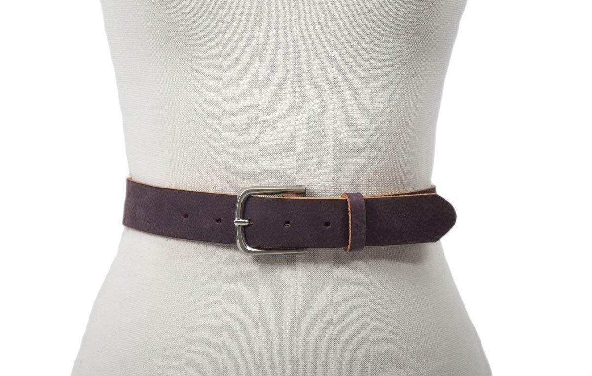 cinturón de piel vacuna curtimiento vegetal color violeta con hebilla níquel