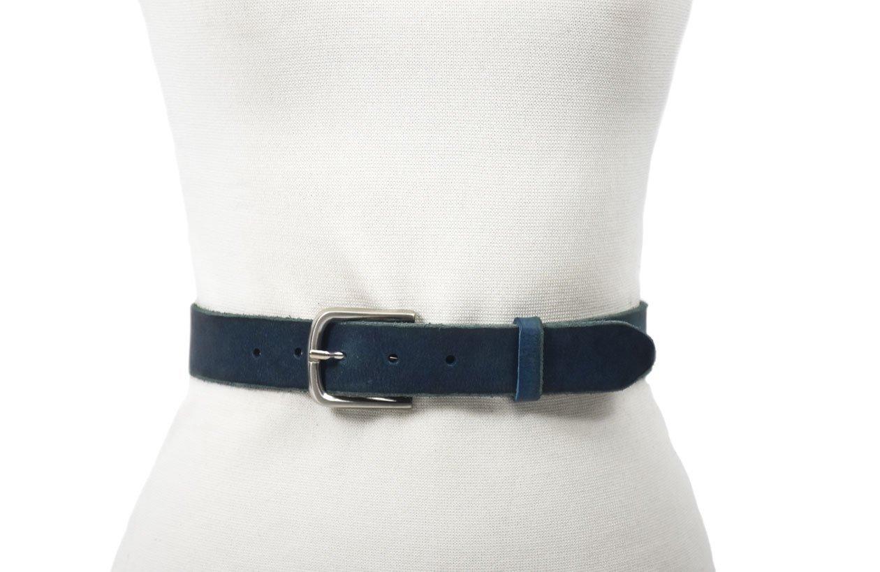 cinturón de piel azul acabado rústico con hebilla níquel