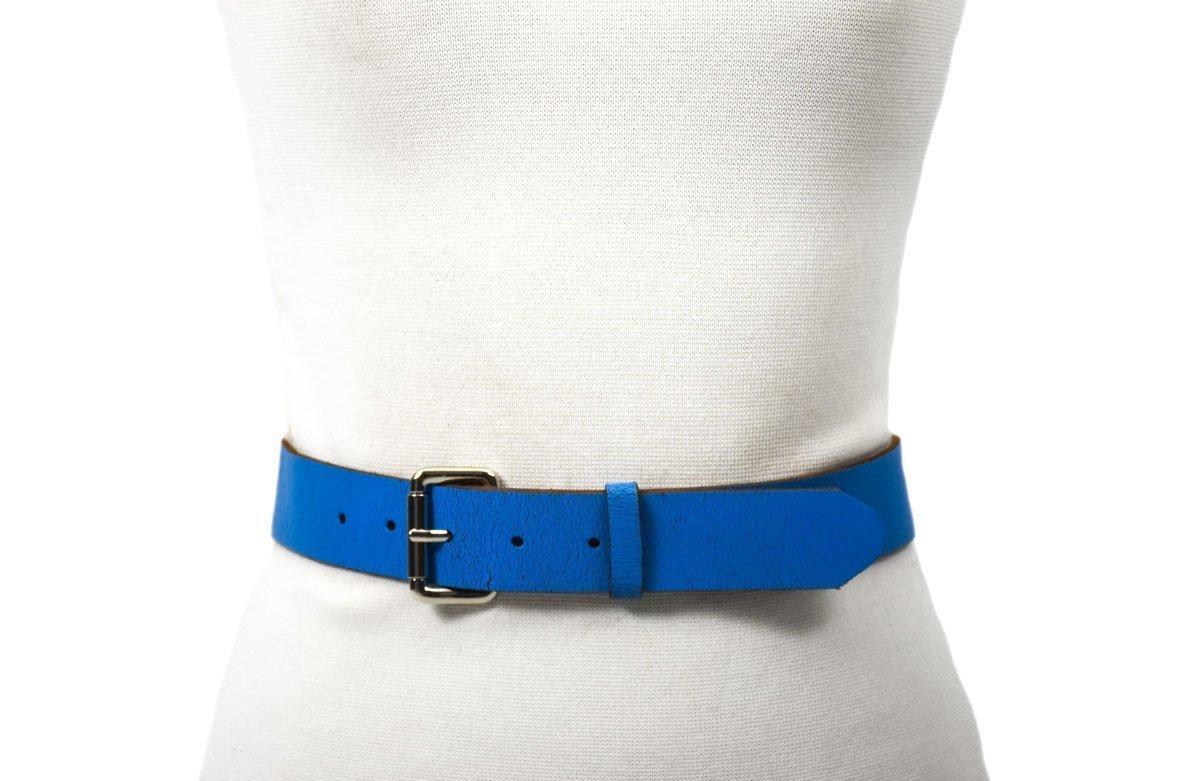 cinturón de piel azul rústico con hebilla níquel