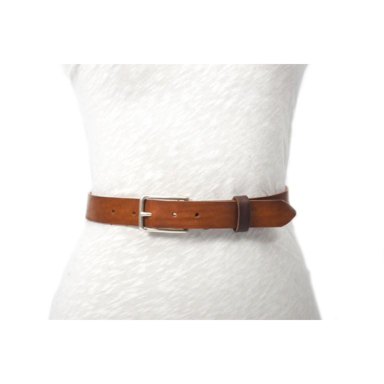 cinturón de piel envejecida marrón con hebilla plata mate
