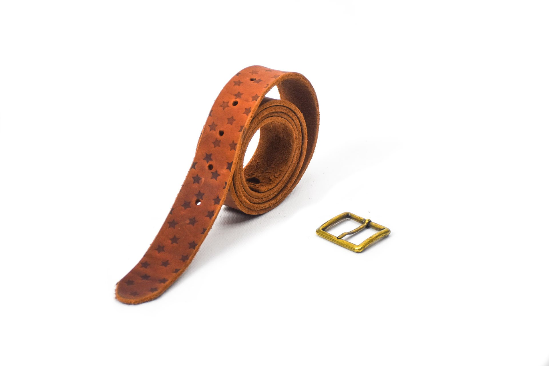 cinturón de piel vacuna piel gastada con grabado de estrellas hebilla oro viejo