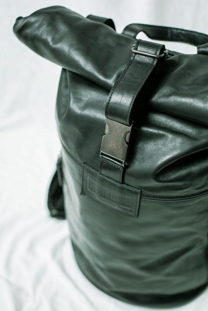 backpack-black-leather-mochila-de-cuero-hecho-a-mano-barcelona-syl