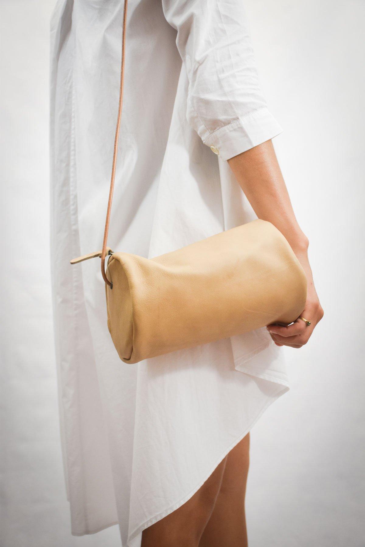 bolso tubo bandolera color crema mujer